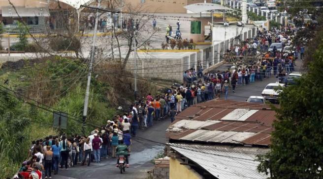 VENEZUELA-KILOMETRICAS-COLAS